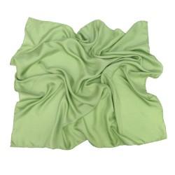 Carré 90 uni vert tendre twill de soie roulotté fait à lyon en france par sophie guyot soieries