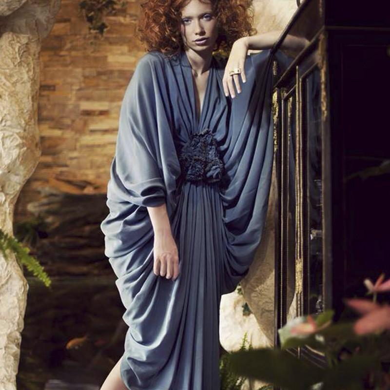 Édito COCO Magazine, robe plissée en crêpe  de soie