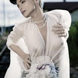 Édito Sébastien Jourdan, robe plissée en mousseline de soie