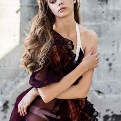 Édito TTT magazine, été indien, robe corolle en organza de soie sophie guyot et un maillot de bain Victoria secret