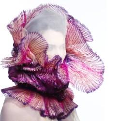 Maxi col fraise en organza de soie plissé multicolore