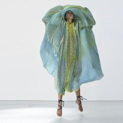 Performance dansée, robe plicatwil twill de soie plissé