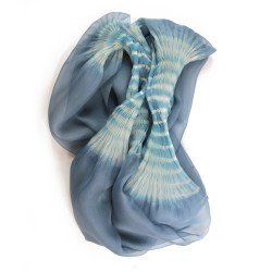 Stole Juliette two-tone 010 in pleated silk organza, dyed and made by sophie guyot silks in Lyon France