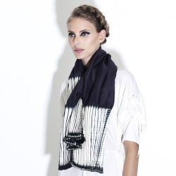 Coulipli two-tone scarf in silk twill pleated and dyed by sophie guyot silks in Lyon France