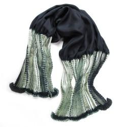 Foulard coulipli bicolore 023 en twill de soie plissage et teinture artisanale, fait à lyon en France par Sophie Guyot