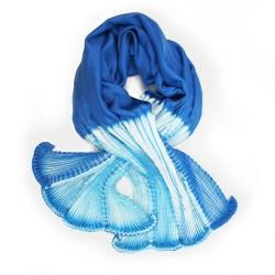Foulard coulipli bicolore 027 en twill de soie plissage et teinture artisanale, fait à lyon en France par Sophie Guyot