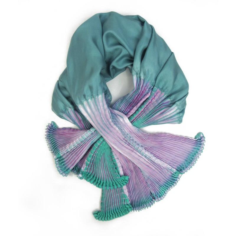 Écharpe coulipli multicolore 030 en twill de soie plissage et teinture artisanale, fait à lyon en France par Sophie Guyot