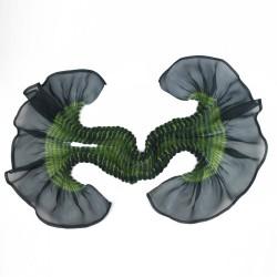 Écharpe courte paplillon multicolore 049 en organza de soie plissé, teint et fabriqué à Lyon en France par Sophie Guyot Soieries