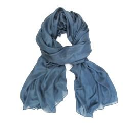 étole 250 unie bleu gris en toile fine de soie une création sophie guyot soieries, fabriqué à Lyon France