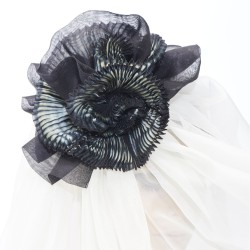 Two-tone pleated BIBI paplillon in silk organza, made in Lyon, France by Sophie Guyot Soieries from a shibori technique