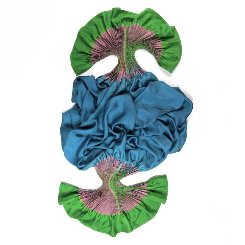 Étole plissenpli maxi multicolore 022 en twill de soie plissé et teint, fabriqué à lyon france sophie guyot soieries