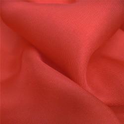 Carré 90 uni rouge écarlate twill de soie roulotté fait à lyon en france par sophie guyot soieries
