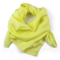 Carré 90 uni jaune poussin twill de soie roulotté fait à lyon en france par sophie guyot soieries créateur mode et accessoire